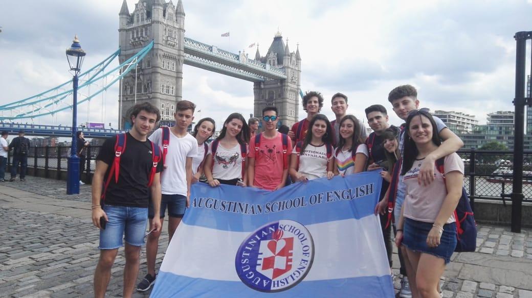 Alumnos del Agustiniano de Buenos Aires finalizan su formación en Londres